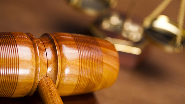 advokat-hammer-